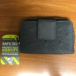 *NWT* Travelon RFID Blocking Wallet
